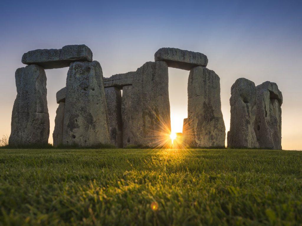 Sejarah Stonehenge yang Ikonik
